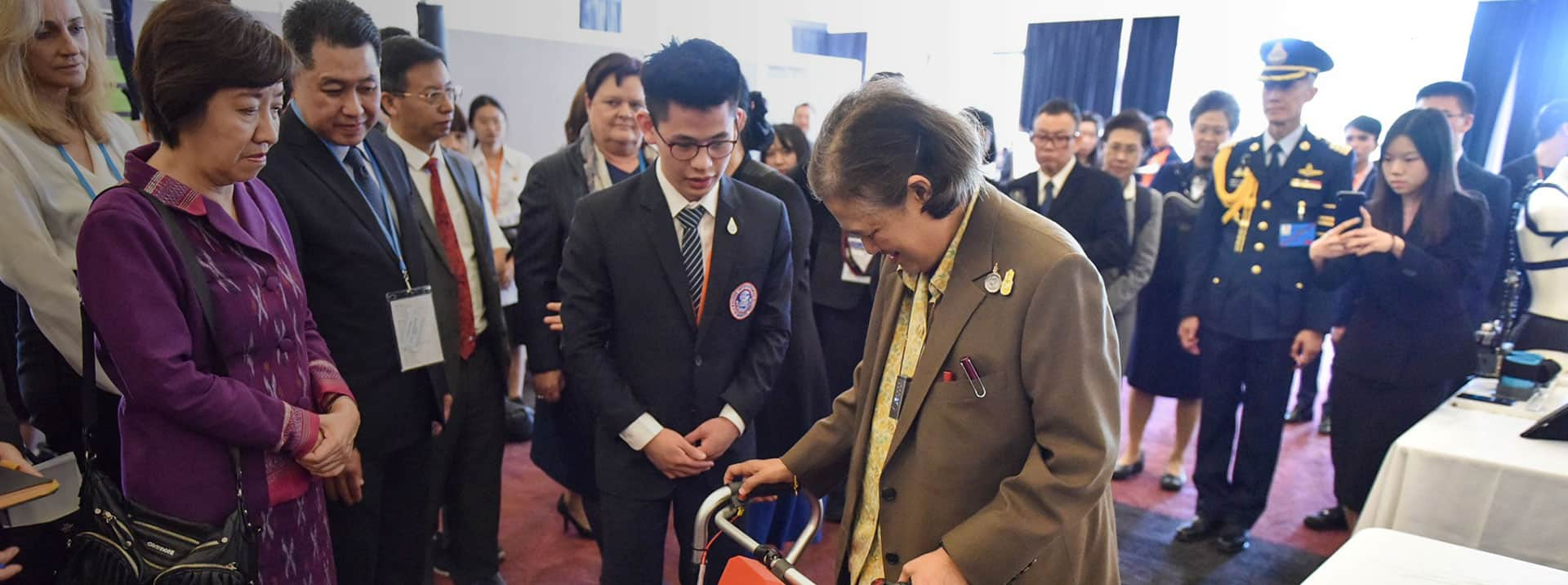 285_FeatImage_1920x716 RIS Student Presents Invention to HRH Princess Sirindhorn