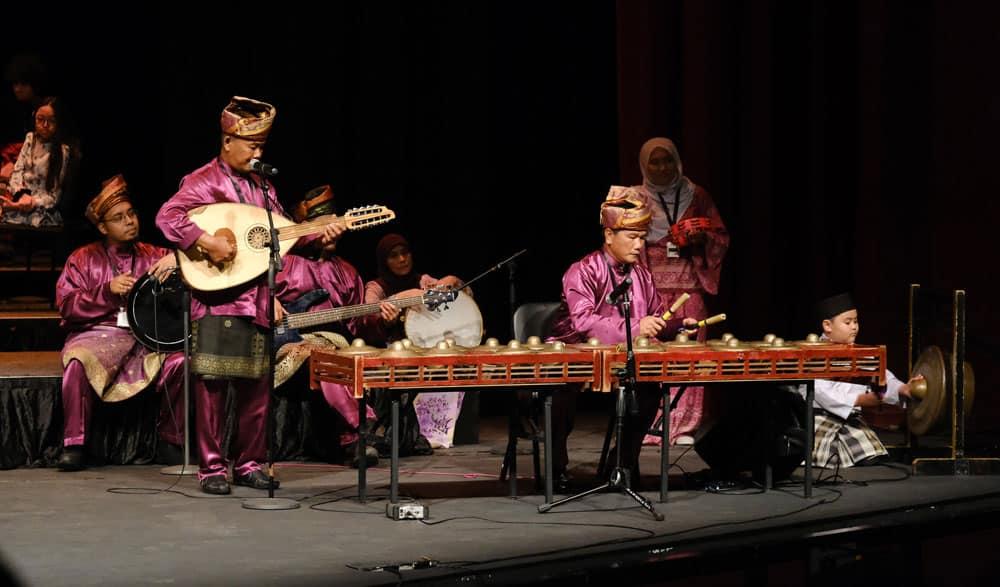 Les célébrations de la Journée internationale comprenaient de la musique, de la culture et de la nourriture traditionnelles du monde entier.