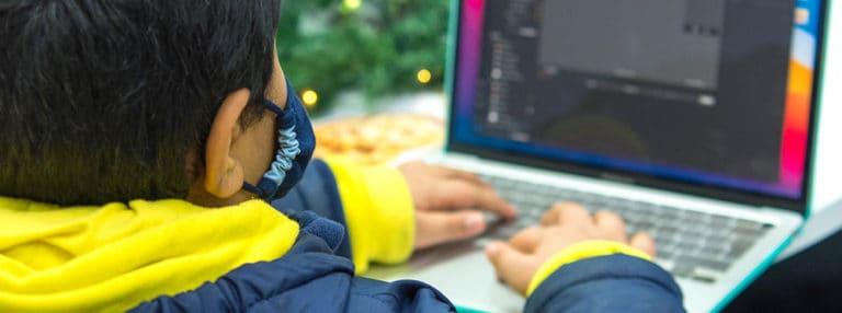 Treffen Sie Advaith, ISD Siebtklässler und Programmiergenie