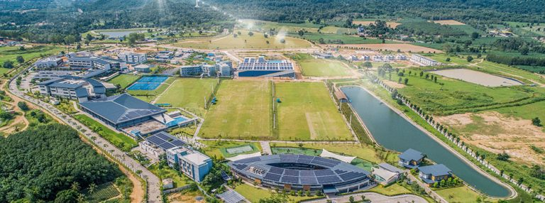 La Rugby School Thailandia è la prima scuola ad aver ricevuto due premi 'Beacon' durante l'accreditamento COBIS